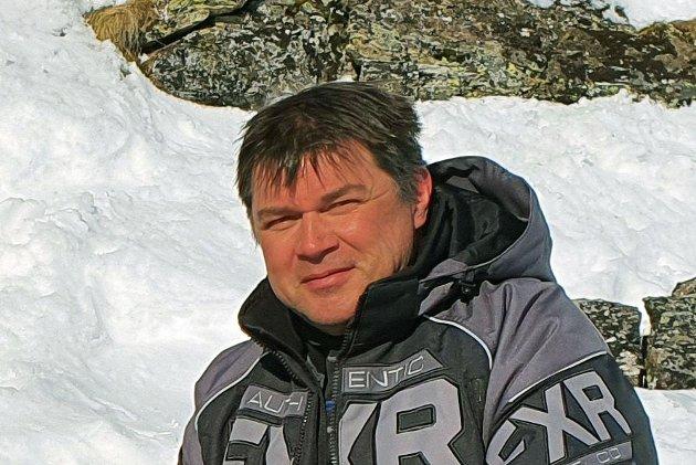 LØYPESTEGNING: - Jeg oppfordrer i alle fall reineiere til å komme på banen for å få slutt på unødvendige stengninger av snøscooterløyper, skriver Roy Samuelsen
