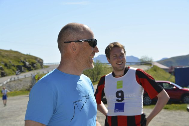 Godt humør: Brede smil før start fra Inge Harald Olsen og Håvard Eggen.