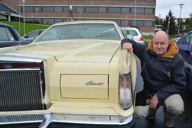 Geir Barth Lakselvhaug fikk oppfylt ønske om drømmebil da han kjøpte en Lincoln Continental MarkV.