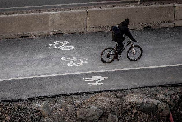 – Nå har regjeringen vedtatt trafikkregler som rett og slett ikke vil la seg overholde, skriver Magne Brekke Rabben.