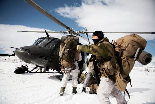 Å selge ut en sak om at helikopter til Hæren er sikret i 2024 er ikke annet enn en bløff. Med respekt å melde, det er å føre folk bak lyset, skriver Sandra Borch.