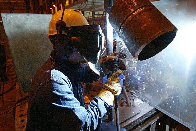Arbeidslønninger i norsk industri er under press. Det kan et stort antall tillitsvalgte i Fellesforbundet skrive under på. Derfor øker motstanden mot EØS, skriver Kolbjørn Schanche.