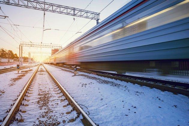 Departementet eller Jernbanedirektoraret bør redegjøre for hvordan KVU-midlene på 10 millioner kr skal fordeles på aktuelle prosjekter i nord. Om nødvendig bør Stortinget følge opp dette, skriver Gunnar A. Kajander i For Jernbane.