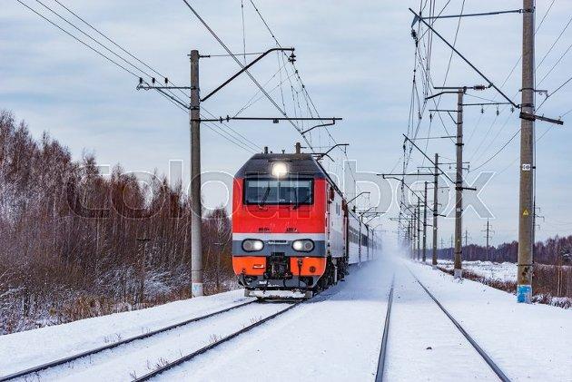 For jernbanesaken i nord gjelder det å koble enda sterkere kontakter med naboregionene på Nordkalotten. Ikke bare Sverige, men også Finland er i en innfase med fornyelse og modernisering sitt nasjonale jernbanenett knyttet opp til internasjonale transportkorridorer, skriver Gunnar A. Kajander.