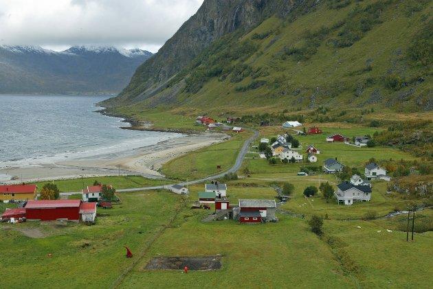 Både forbrukere i Norge og eksportmarkedene er ganske sikkert åpne for mer kvalitetsmat fra det arktiske Norge. Med god dyrevelferd, lite bruk av antibiotika og høy kvalitet finnes det betalingsvilje i store kundegrupper. Bildet er fra Grøtfjord på Kvaløya.