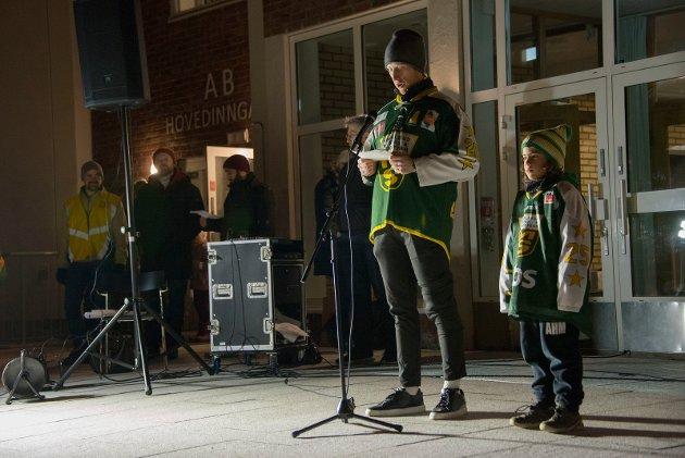 Fra fakkelmarkeringen 4.desember: Joachim Engebråten Hermansen og Aydin Mesgarzadeh, Manglerud Star ishockey