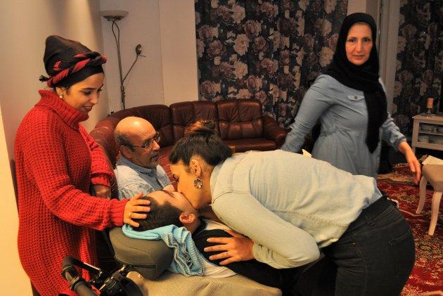 Familien Rasoli på Gjøvik er samlet igjen etter ni år på flukt. Nå vil Norge sende faren tilbake til Afghanistan.