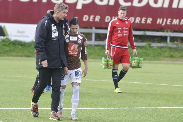 KONTRAKTEN UTE: Thor Andre Olsen og Rainer Bergersen har ettårskontrakt som trenere med Mo IL denne sesongen.  Foto: Trond Isaksen