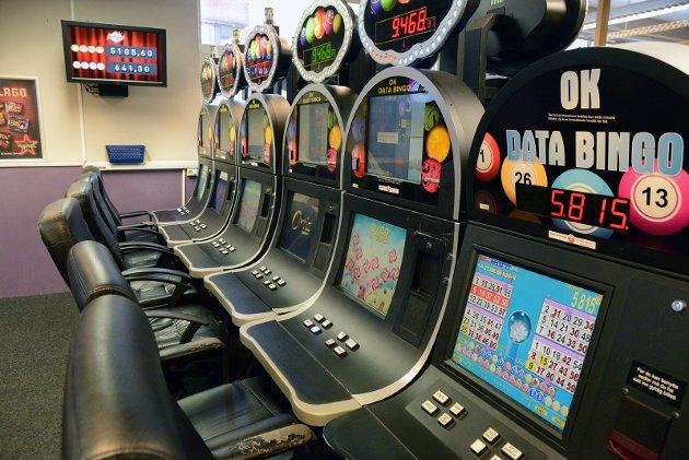 Svenn Edvinsen lot seg provosere av Ringerikes Blads lørdagsreportasje fra bingohallen.