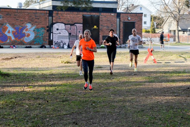 SESONGSTART: Rundt 200 nulløpere møtte opp i strålende forhold til sesongens første nulløp.