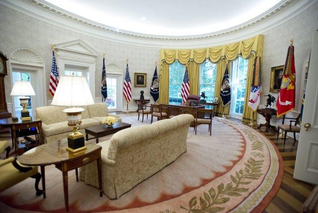 Dag Evjenth er bekymret for i hvilken tilstand Donald Trump kommer til å forlate Det hvite hus - og embetet. På bildet er det en plettfri utgave av det ovale kontoret - the Oval Office. Nydelig renovert i 2017. (Foto: NTB/REX)