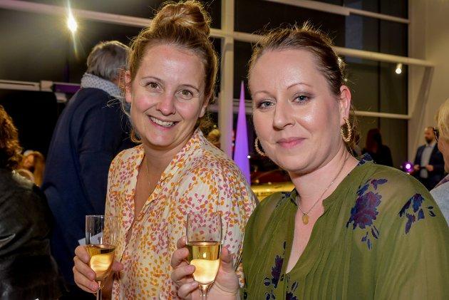 – Vi er her for å bli litt inspirert, sier Jannike Sørheim (38, t.v.) og Linn Helene Knoff (35, t.h.).