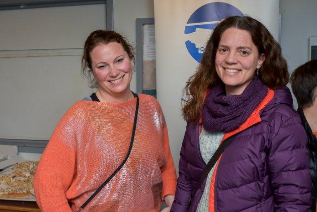 – Det er veldig kult at Eidsberg IL klarer å få Kjetil André Aamodt til bygda, mener Marianne Baggetorp Landerud (38) og Anne Finstad Norum (36).