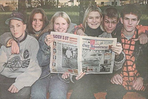 Ett knipe 9. Klassinger fra Løken ungdomsskole utgjorde Smaalenenes ungdomspanel. Fra venstre: Johannes Melnæs, Ida Høyvåg, Anne-Marte Fredsvold, Irene Boje, Joachim Huuse og Rino Wit