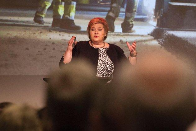 Statsminister Erna Solberg forstår at flere foreldre er usikre i forbindelse med gjenåpning av skoler.