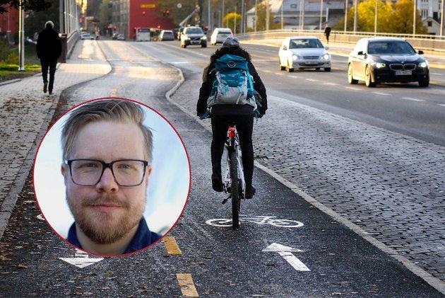 Nå har regjeringen vedtatt trafikkregler som rett og slett ikke vil la seg overholde. Mens landets syklister venter på at de skal bli endret igjen, kan vi trøste oss med at håndhevingen vil være så ressurskrevende at politiet antakelig vil prioritere det bort, skriver Magne Brekke Rabben.