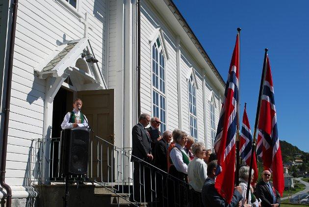 Nasjonaldagsfeiring i Bremanger. Anna Malkenes heldt minnetalen.