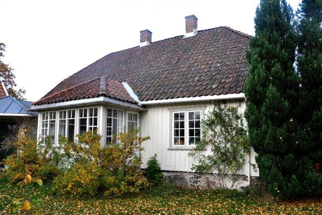 VOLL NORD: Gro og Olav har restaurert tømmerhuset fra 1829.