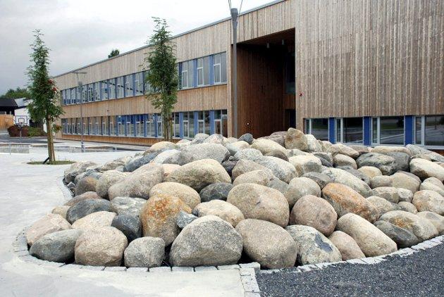 KJAPP GODKJENNING: Lars Haugen mener det politiske flertall satte til side alminnelige regler om saksbehandling da de godkjente bygging av et modulbygg for undervisning ved Høvik skole på rekordtid.
