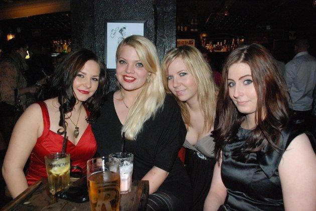 Ribberock 2011: Caroline Pedersen, Tina Modal, Malin Holmgren og Carina Pongo hygget seg på Lucky Luke 2. juledag.