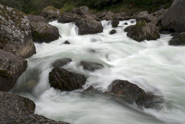 Overraskende nok skattlegges vannkraften hardere enn alt annet næringsliv, skriver ordførerne i Sarpsborg kommune og Lærdal kommune i dette innlegget. Bildet er fra Lærdalselva.