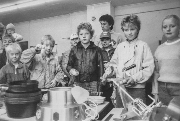 Loppemarked ved Rom skole i Askim i 1987.