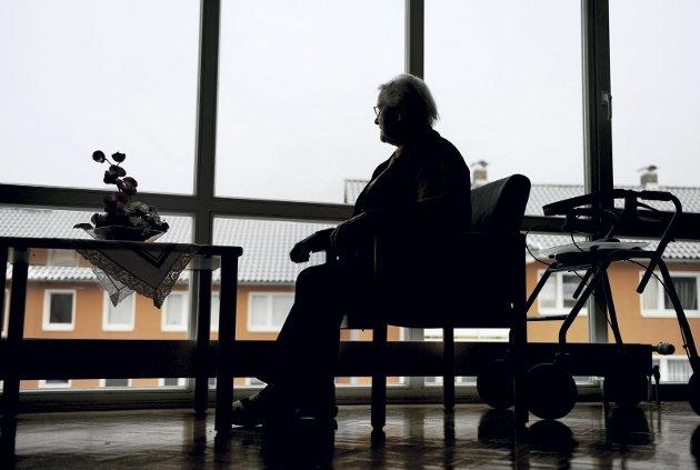 ØKNING: Enten vi liker det eller ikke blir det en formidabel vekst av antall demente som trenger 24 timers pleie/omsorg i  Nye Moss fram mot 2060, skriver tidl. fastlege og sykehjemslege, nå listekandidat for Ny kurs i Moss, Lorentz Nitter.