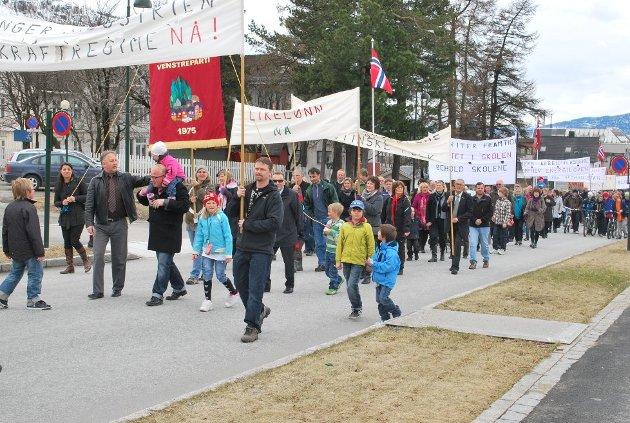 Bildet er fra en 1. mai-markering på Mo. Foto: Hedda Hiller Elvestad