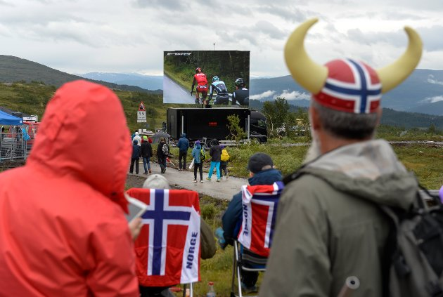 ARN Arctic Race of Norway. Etappemålgang på Korgfjellet. Folkeliv.