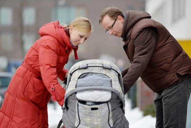Mens ordførere gjerne belønnes med applaus når de i skjemt, men ikke uten alvor, oppfordrer nordlendingen til å holde varmen sammen og gjerne øke folketallet i samme slengen, faller Ernas oppfordring til norske kvinner om å få barn tidligere og helst flere, på steingrunn, skriver journalist Toril Alfsvåg