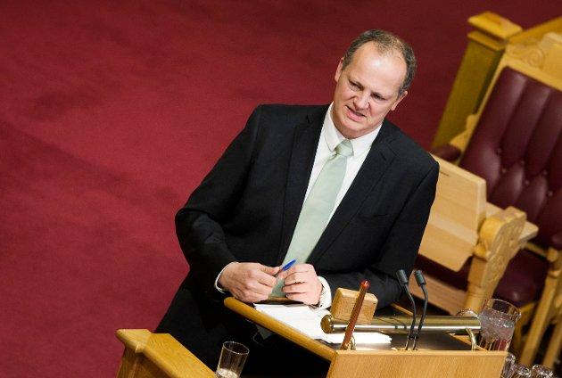OSLO  20161026.  Samferdselsminister Ketil Solvik-Olsen (Frp) under muntlig spørretime på Stortinget, onsdag.    Foto: Berit Roald / NTB scanpix
