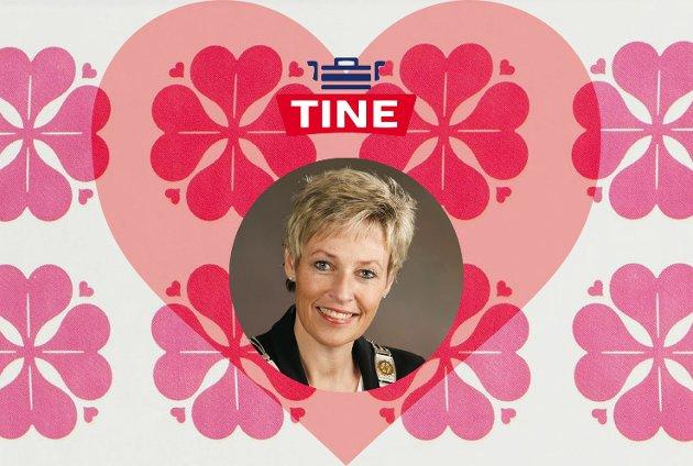 TINE I VÅRE HJERTER: Sigdølingene har trykket Tine Norman til sitt bryst.