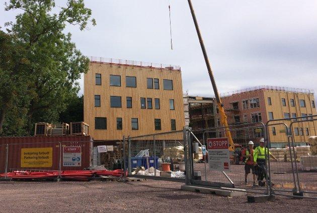 NY SKOLE: Ikke ferdig enda, men den nye skolen blir helt suveren, mener Truls August Råen (16)