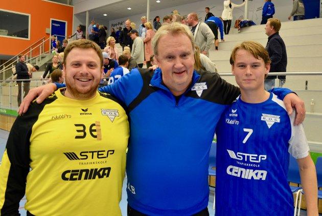 Nicolas Granum (f.v.), trener Arne Borch og banens yngste Kristoffer Raastad-Hoel.