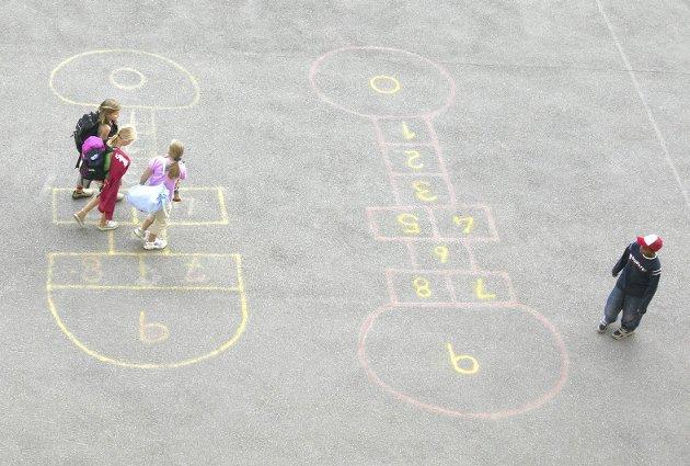– Alle foreldre har et ansvar for å følge med på hva barna gjør og ta tak i mobbing, skriver innleggsforfatteren. Illustrasjonsfoto: NTB