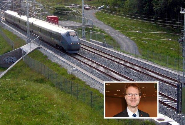 SIGNAL: Frps Tor André Johnsen var med på å sikre millioner for videre baneutbygging i Stange. Blir det et varig signal?