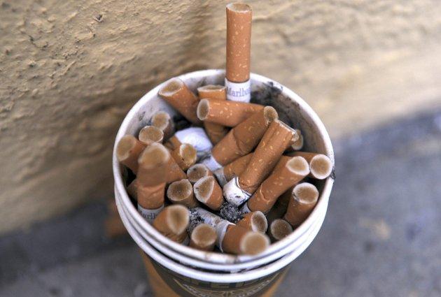 Ikke ute heller: Sverige ønsker å bli røykfrie innen 2025. 1. juli strammet de inn. Arkivfoto