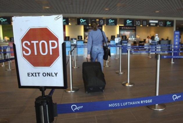 STOPP: I kveld går det siste flyet fra Moss lufthavn Rygge.