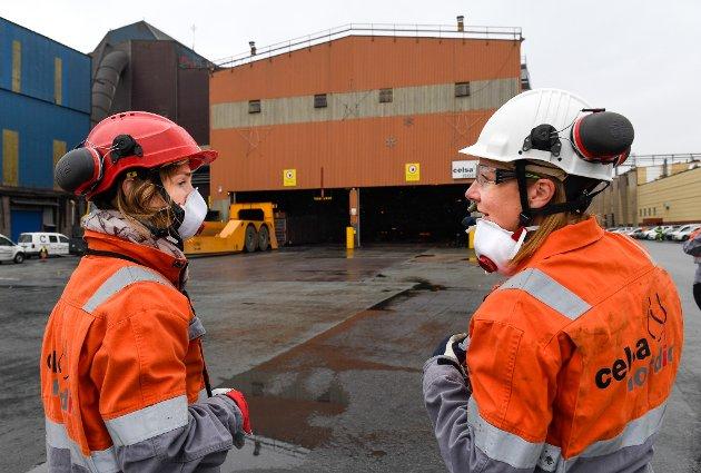 Susanne M. Nævermo Sand fra Celsa sammen med næringsministeren Iselin Nybø (V).