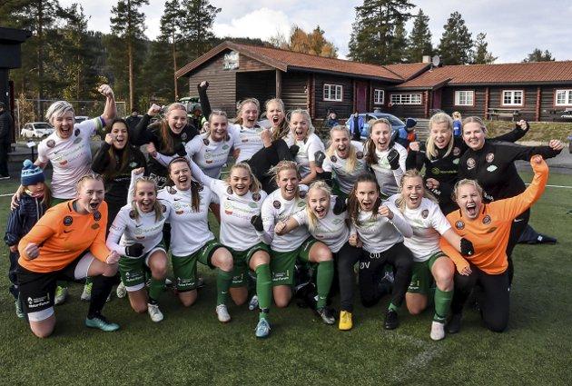 OPPRYKK: 2018 ble Snøgg-damenes store år. Etter seire mot FK Fortuna (5–0) og Innstranda (2–1) sikret de opprykk til 1. divisjon. I seriespillet vant de avdelingen etter 18 seire av 20 mulige og de avga kun fem poeng. I tillegg slo de 1. divisjonslaget Urædd 2–0 i cupen. Der ble de senere slått ut av toppserielaget Vålerenga med 1–8 på Intility Arena. Laget er også nominert til Årets lag på den store prisutdelingen til Telemarks-idretten. Trener Even Vala er der nominert til årets trener. Etter at sesongen var over ble det klart at både Vala og assistenttrener Andreas Soltvedt ikke blir med i 2019.