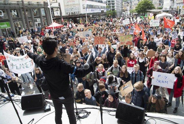 – Stadig hører vi latterliggjøring av ungdommer i klimademonstrasjoner. Mange liker å si at unge aktivister ikke forstår hva velferdsstaten ville vært uten store oljeinntekter. Men det må være mulig å være bekymret for betalingsutsettelsen, uten at det betyr manglende takknemlighet for det vi har i dag. ARKIVFOTO: ARNE RISTESUND