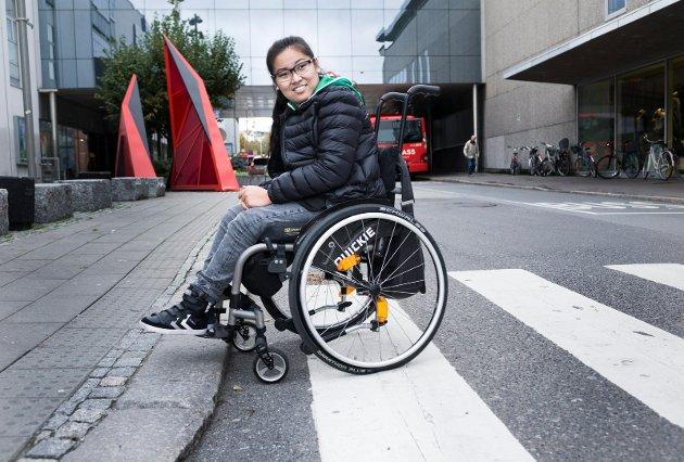 Ida Viola Simensen har i flere sammenhenger engasjert seg i funksjonshemmedes hverdag og spørsmål ved holdninger til andre mennesker.