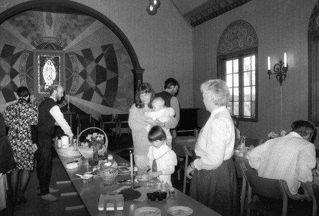 Lunner kirke påskefrokost 13/4 1993