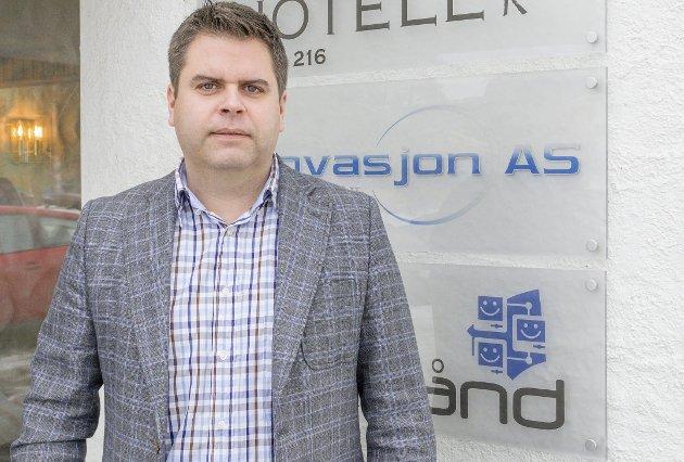 Svarer på kritikken: Daglig leder Roar Olsen i Romerike Bredbånd AS.