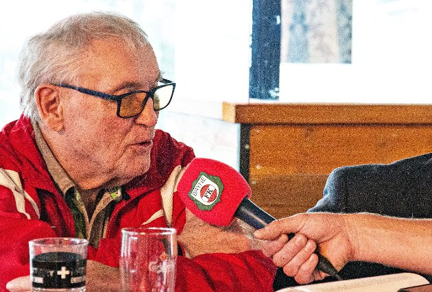 KLAR TALE: Tidligere klubbformann og evig Bryne-patriot Reidar B. Thu er svært kritisk til Bjarne Berntsen. Bildet er tatt i forbindelse med lanseringen av boka om Bryne FKs historie som kom ut for noen år siden.
