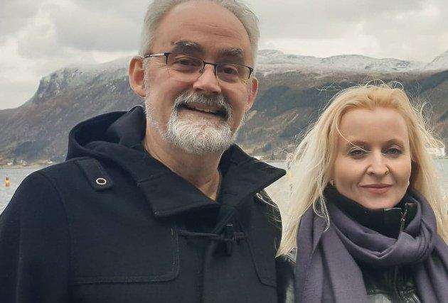 TA DEBATTEN: Alle partia i Kinn kommune må no ta ein runde med evaluering av Kinn-prosjektet så langt, meiner Geir Oldeide og Marie Kronen Tveranger, leiar og nestleiar i Raudt Kinn.