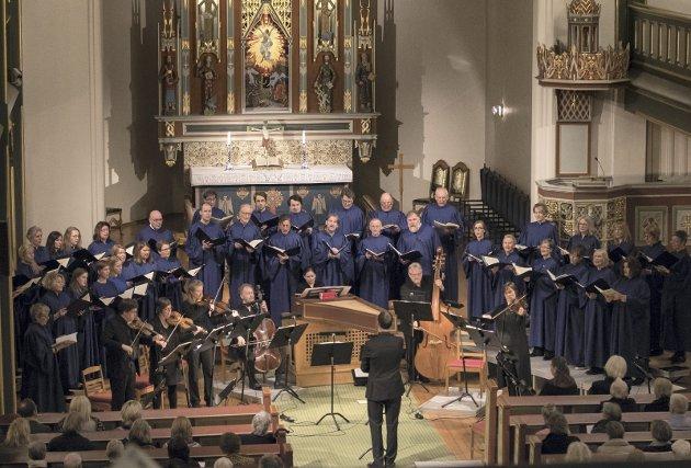 Marias lovsang: Borg domkor, Barokkanerne og navngjetne solister tolket Johann Sebastian Bach i Domkirken søndag.foto. ida christin foss