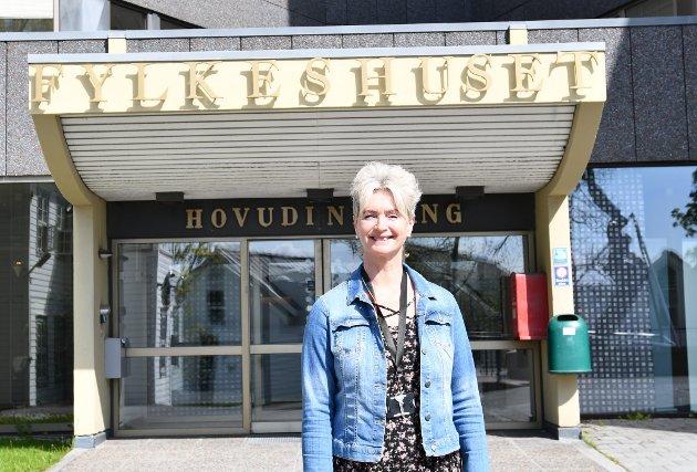 Dersom de tre kommunene skulle konkludere med at de ønsker å søke seg til Trøndelag, så er det regjeringen som må vurdere søknaden, sier Tove-Lise Torve.