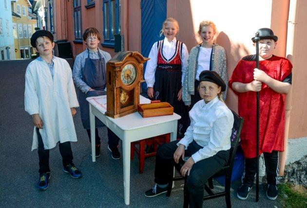 Fra Stines Bakke. Theodor Kittelsen går i urmakerlære.  Vilde Sundbø fra Sannidal spiller Kittelsen.