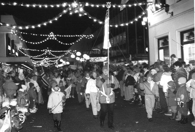 Julegateåpning 1990, gågata i Moss.